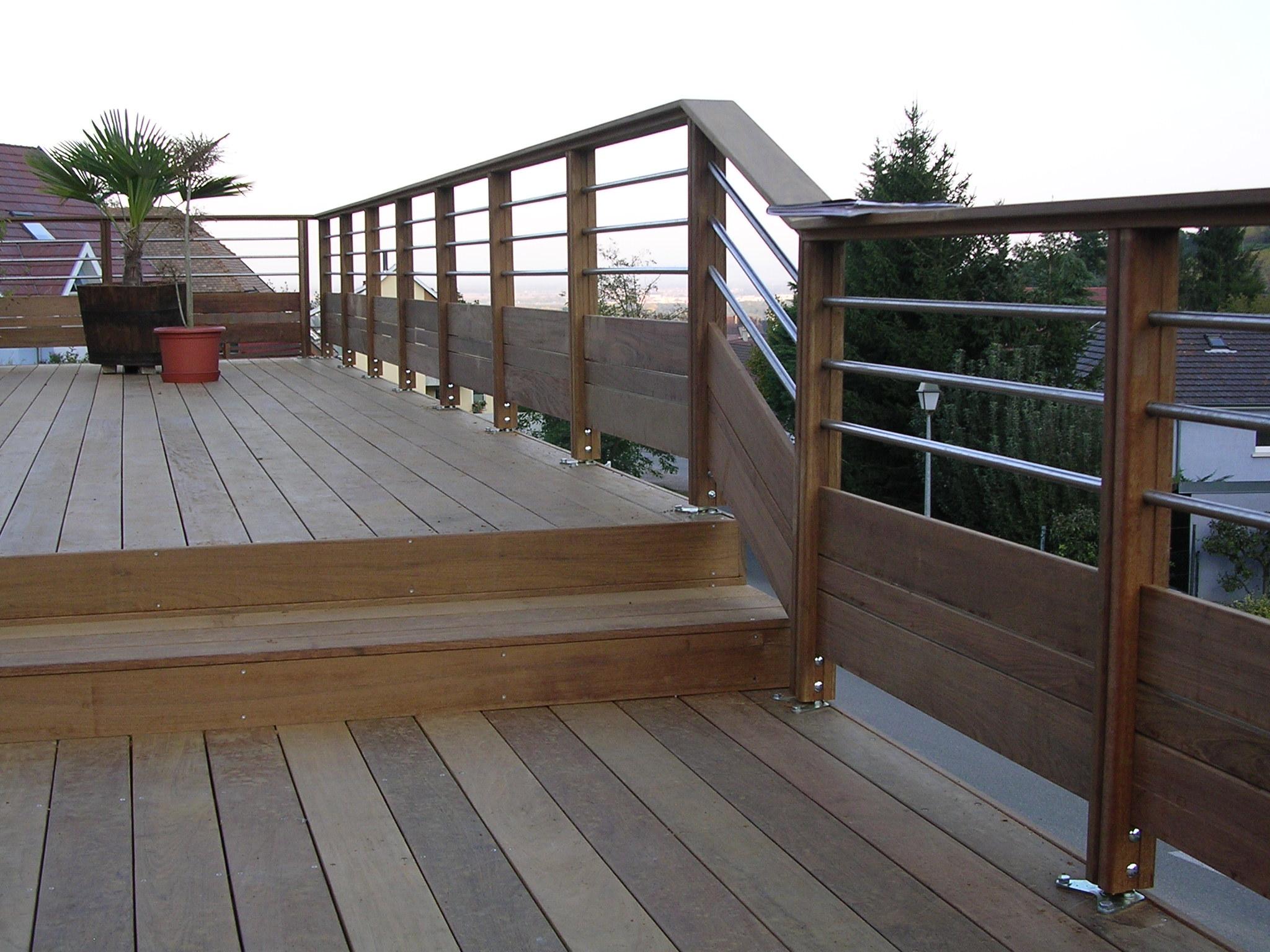 vente de garde corps rambardes et escaliers en bois pos ou en kit alsace terrasse. Black Bedroom Furniture Sets. Home Design Ideas